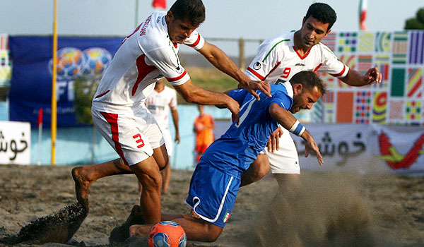 تصاویر بازی فوتبال ساحلی ایران و اسپانیا