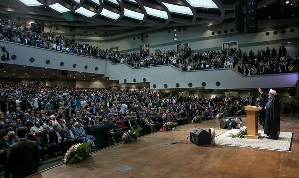 روحانی: امیدواریم کلمه «مرگ» جمع شود