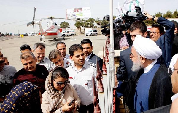 تصاویر/ حضور سرزده دکتر روحانی در پایگاه امداد و نجات نوروزی